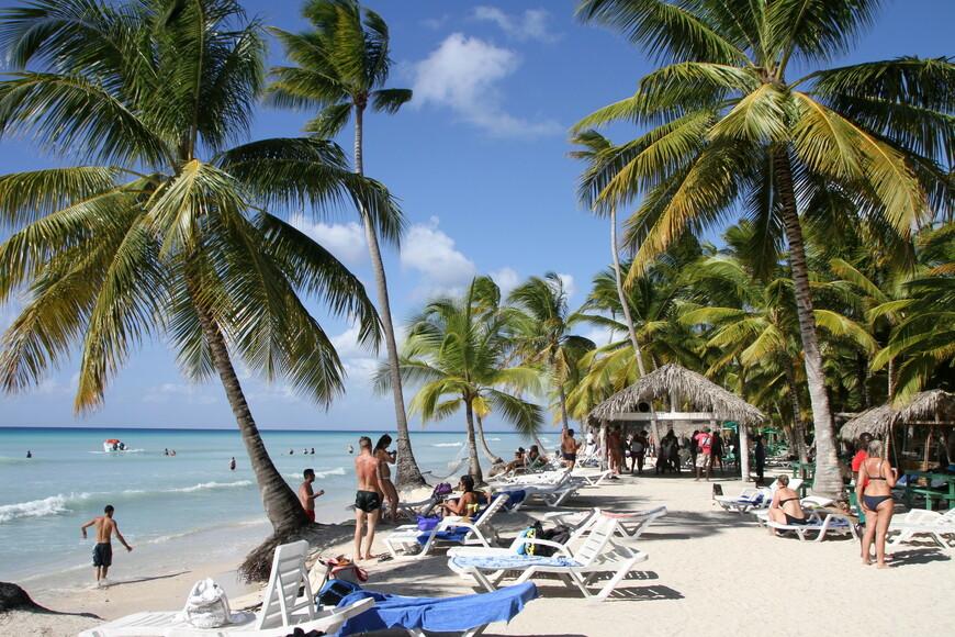 Здесь всем был предложен райский отдых и обед на берегу Карибского моря. У кого экскурсии были подороже в меню включены были даже лобстеры, все остальные могли так же их заказать за доп.плату (30$).