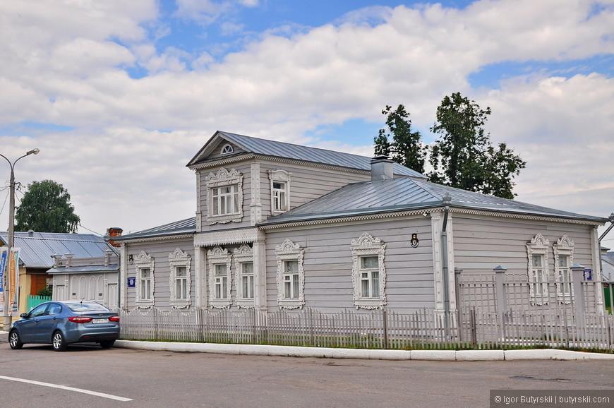04. Отреставрированные деревянные здания всегда вызывают умиление, они так часто встречаются в России, но почти всегда, в ужасном состоянии, а тут…