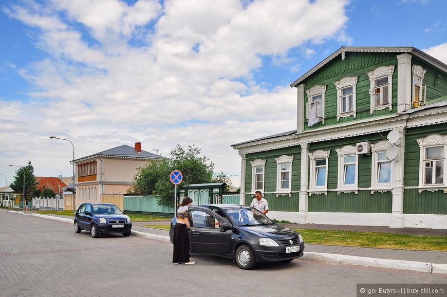05. Как наверно интересно жить на территории кремля, все чисто, все убирают, но с другой стороны толпы туристов постоянно…