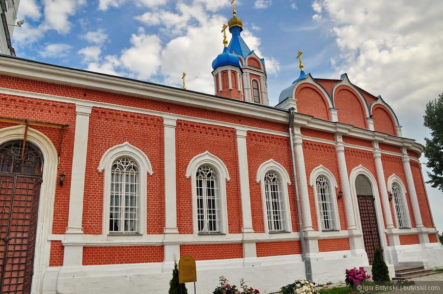 15. Храм иконы Божией Матери Тихвинская. Построен в 1776 году тщанием местного купца Ивана Мещанинова.
