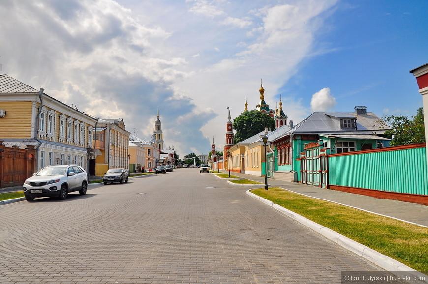 24. Гулять по Коломне очень приятно, как будто в деревне, но ощущение города всегда присутствует.