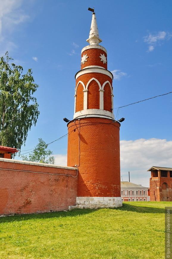 29. Очень красивые башни кремля.