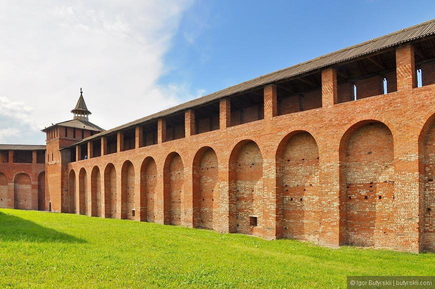 33. Грановитая башня — одна из семи башен Коломенского Кремля, сохранившихся до наших дней. Построена в 1525—1531.