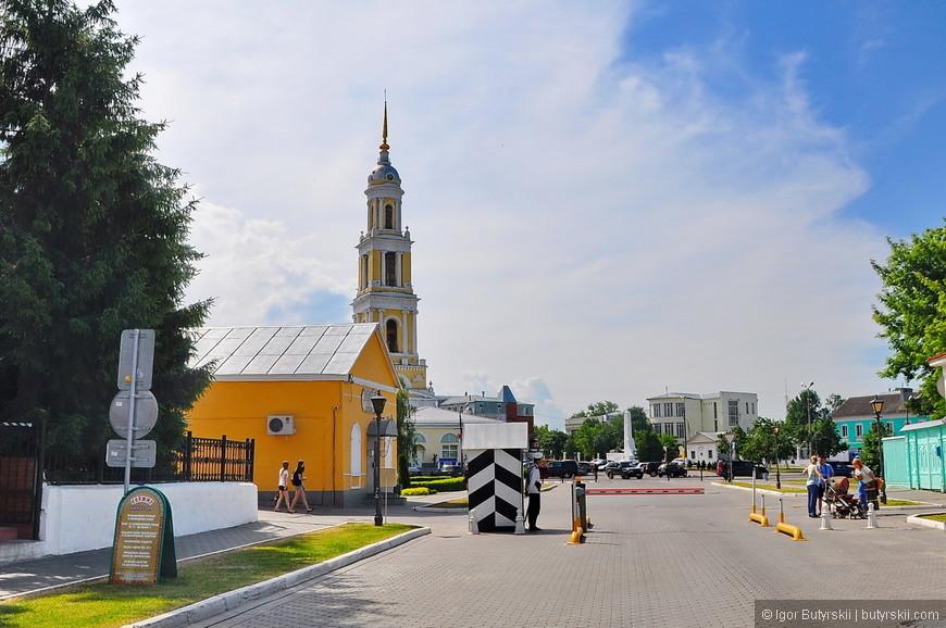 34. Очень интересно сделали КПП при въезде на территорию кремля.