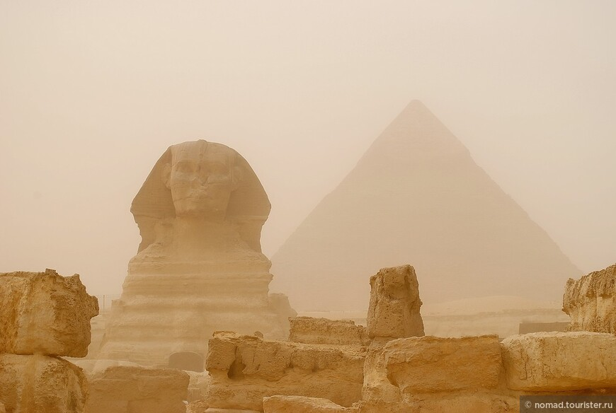Сфинкс и Пирамида Хефрена