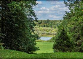 вид на реку оку и окские просторы от дома-усадьбы Поленова
