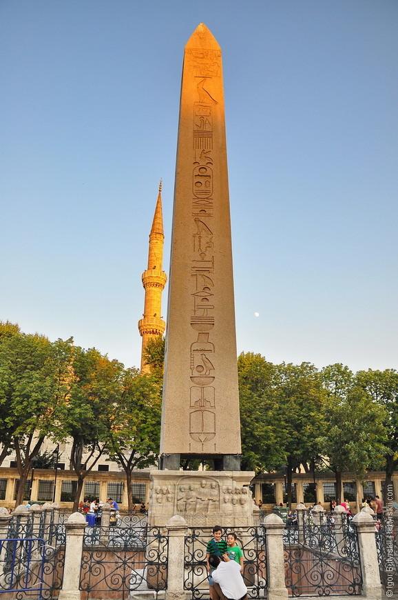 02. Египетский обелиск, их очень много в Стамбуле, все очень символичны и с богатой историей, но я больше люблю архитектуру.