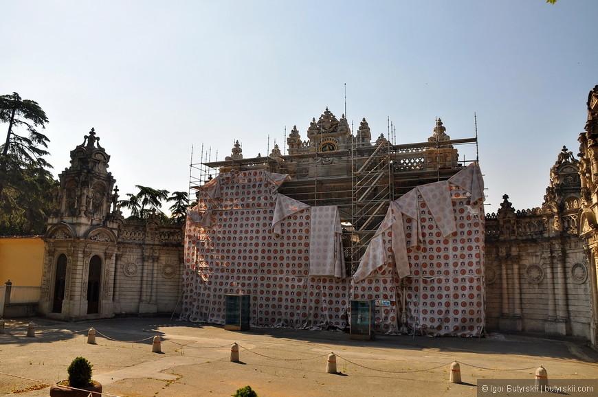 14. Дворец на реконструкции, жалко, очень хотел посмотреть на него.