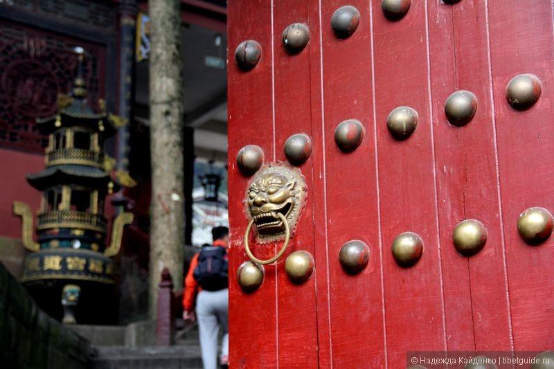 двери храма богатства