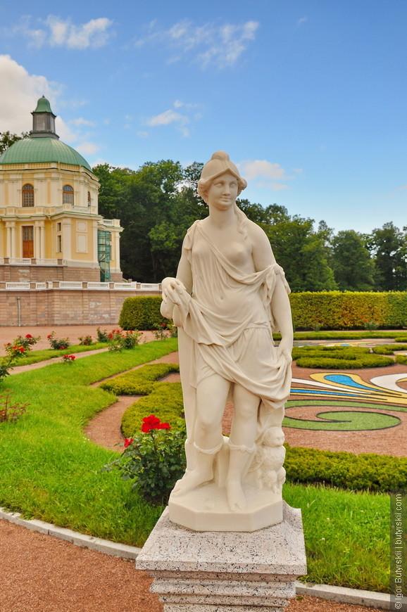 04. Скульптуры нижнего сада, установлены в 60-е года XVIII века.
