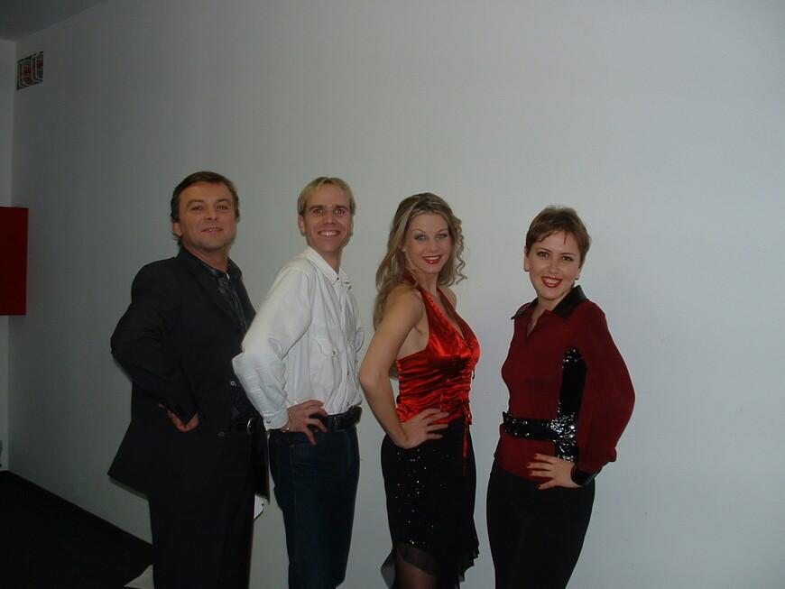 """Узнаете принца из сказки """"Три орешка для золушки"""" ? Крайний справа, а я крайняя слева. Посчастливилось не только сфотографироваться, но и пообщаться с самим принцем ! :-)   www.gidvprage.com"""