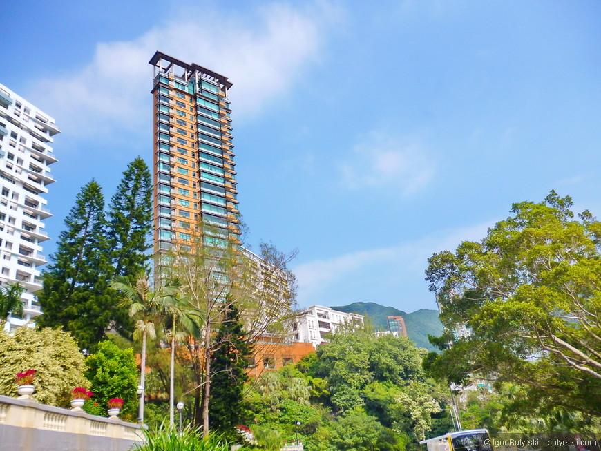 20. Легендарные здания в одно окно толщиной. Классика Гонконга – одна квартира на этаже в 45-ти этажном доме.