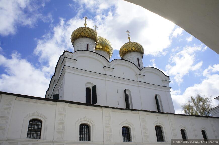 Впервые в летописи  монастырь упоминается в 1432 году, но основан, возможно, был гораздо раньше.