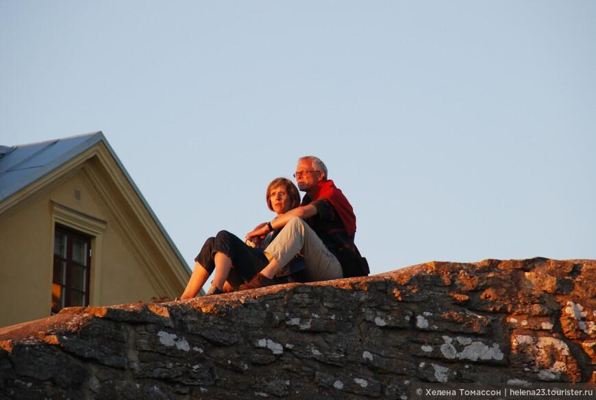 Висбю - милый городок, столица острова Готланд, где сохранилась крепость и есть несколько исторических достопримечательностей и музеев.
