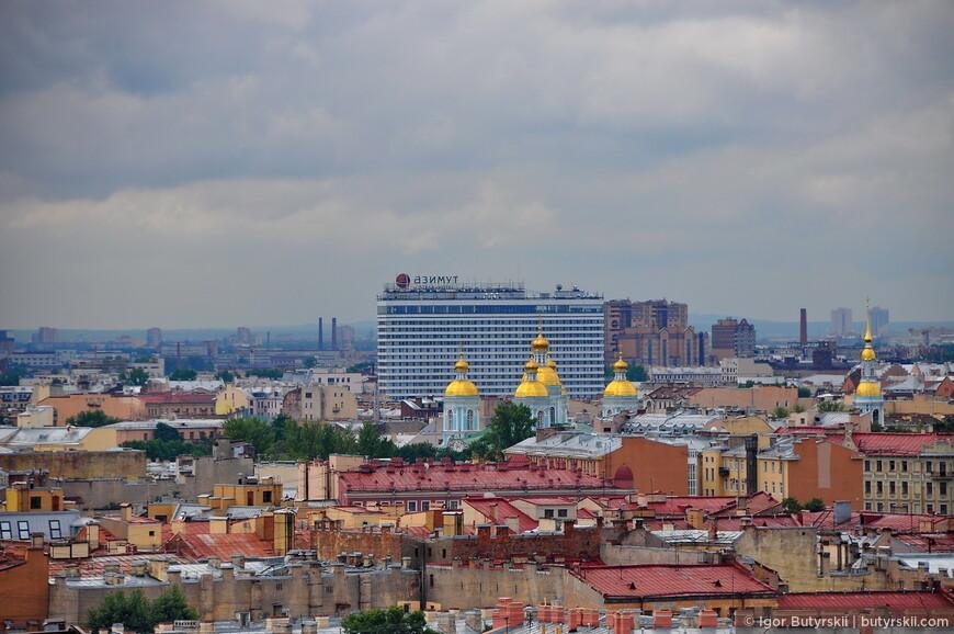 15. Ужасный отель Азимут, портив весь вид на город.