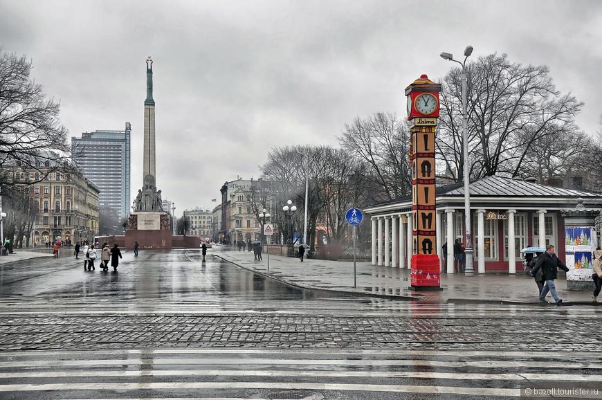Рига — это не только культурный центр, город уникальных достопримечательностей и архитектурных ценностей, но и место, где можно отлично отдохнуть и развлечься. Кроме того, Рига как столица Латвии является деловым центром Прибалтики, ежегодно принимает гостей из многих стран Европы.