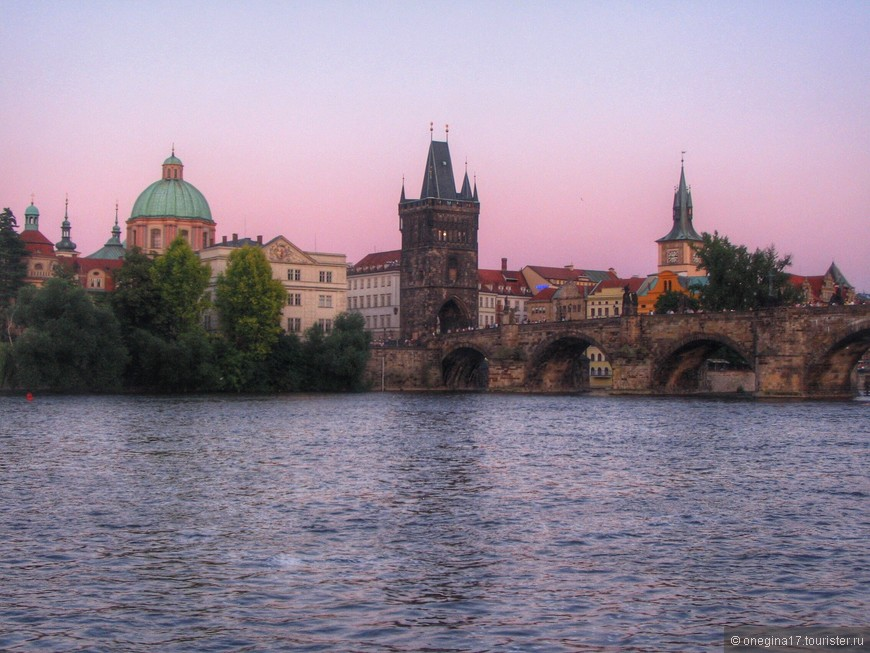 Прага дарила чудесные закаты...