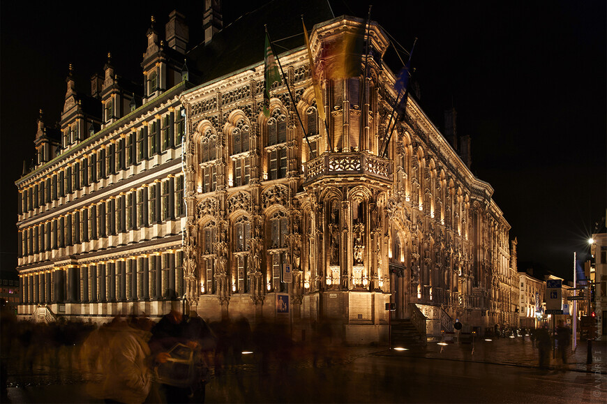 Ратуша Гента, симбиоз времен и двух архитектурных стилей