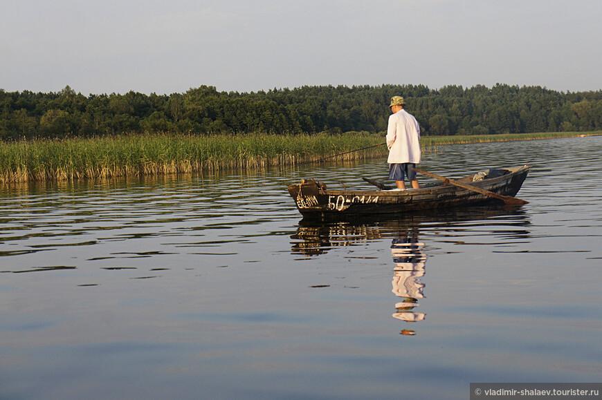 Жить на озёрах и не быть рыбаком...