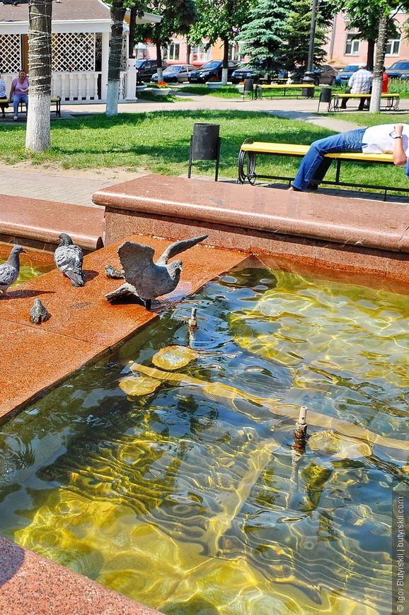 20. Очень классный памятник голубям, их действительно нельзя заметить с первого взгляда.