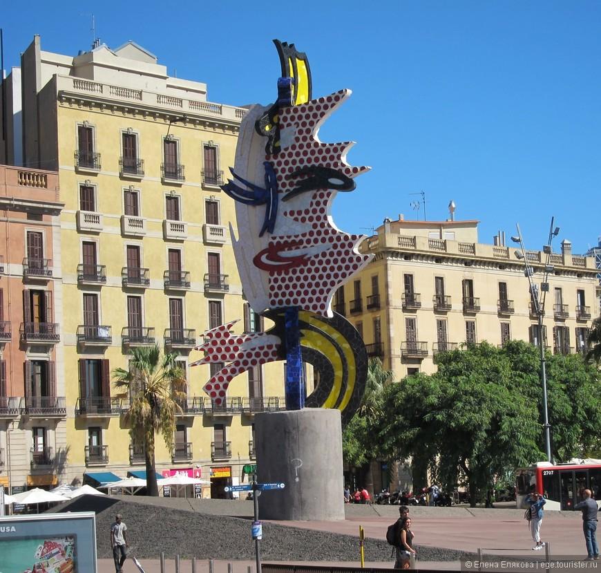 Барселонская голова (лицо Барселоны) Роя Лихтештейна (его выставку мы посетили в центре Помпиду в Париже), расположена на набережной Моль де ла Фуста
