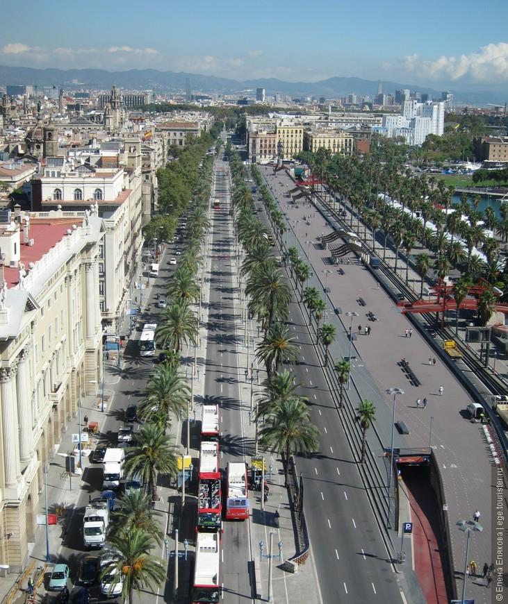 Барселона с  монумента Христовору Колумбу, справа - набережная Моль де ла Фуста