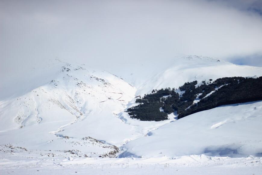 Перевал. По пути в Ереван погода менялась мгновенно - как всегда бывает, когда переваливаешь через перевал в горах...