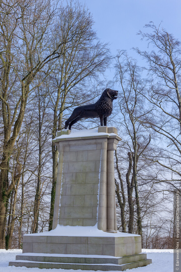 Такого Льва можно увидеть повсюду - от Саксонии до Мекленбурга. Король Генрих Лев, покоривший в свое время здешних славян, почитается как основатель городов и весей.