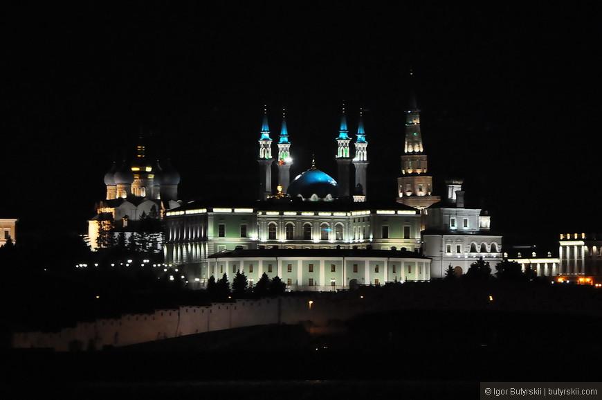 34. Я не буду говорить, что Казань это один из красивейших городов в стране и, наверно, самый удобный для туристов. Я скажу, что каждый должен посетить этот город хотя бы раз.