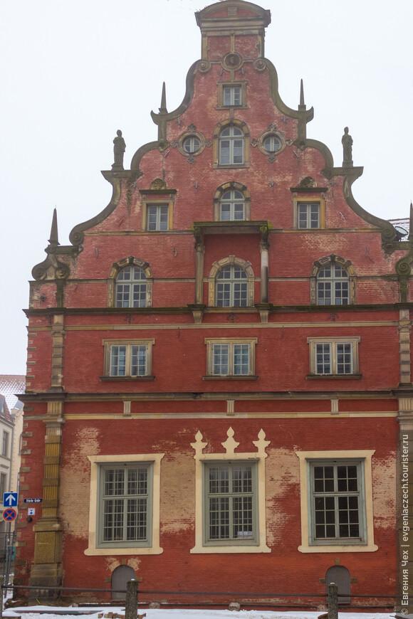 Шабельхаус, построен в 16 веке как пивоварня, одна из более сотни в Висмаре.