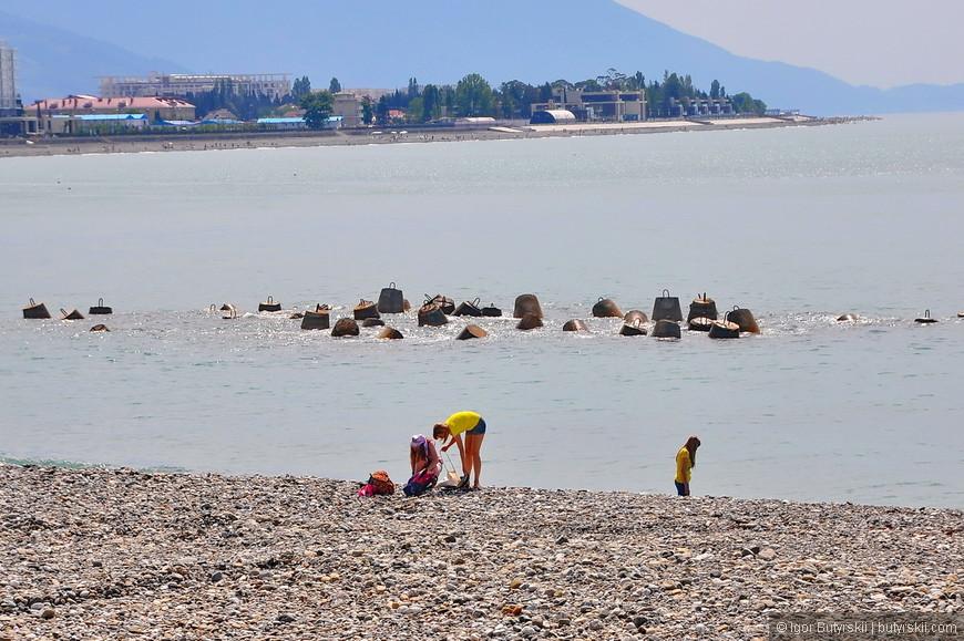 26. Пляжи олимпийского парка, как и набережная Сочи – выглядят соответствующе.