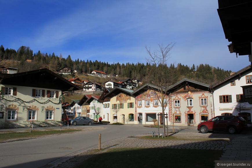 В воскресенье городок почти опустел. Наверное все уехали в Гармиш кататься на лыжах.