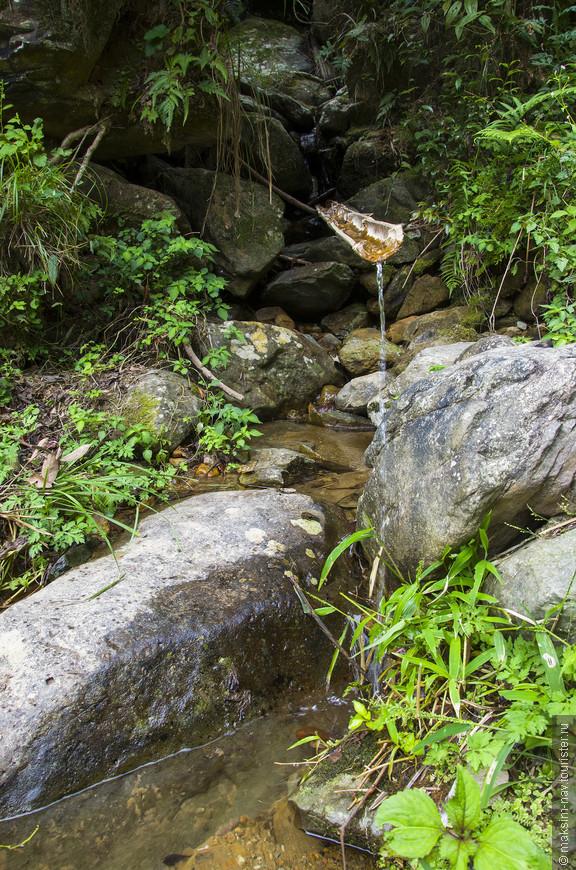 О запасах воды можно не беспокоиться, всегда можно напиться чистой родниковой воды.