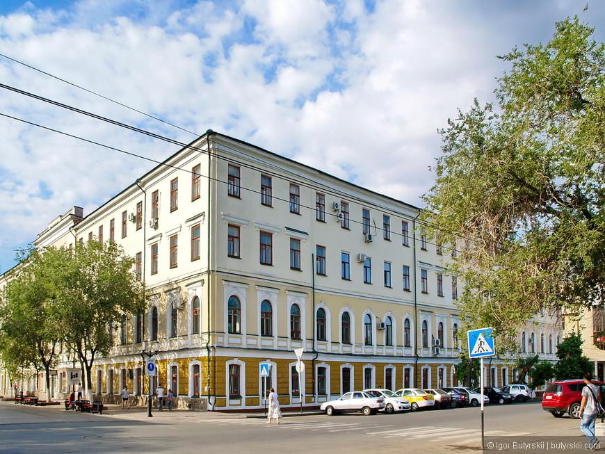 03. Один из немногих городов в стране где с уважением относятся к разным зданиям, очень здорово.