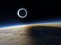 Туристам предложили посмотреть на солнечное затмение с борта самолета