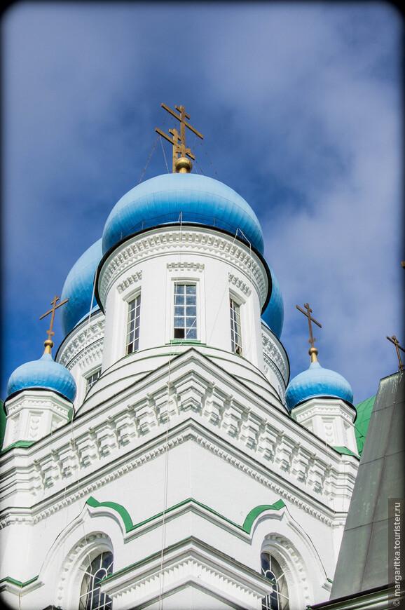 В 1623 году, в «Указе Царя Михаила Феодоровича из Приказа Большого дворца» упоминается о деревянной церкви Николая Чудотворца, а также о том, что в обители имеется игумен и два старца.