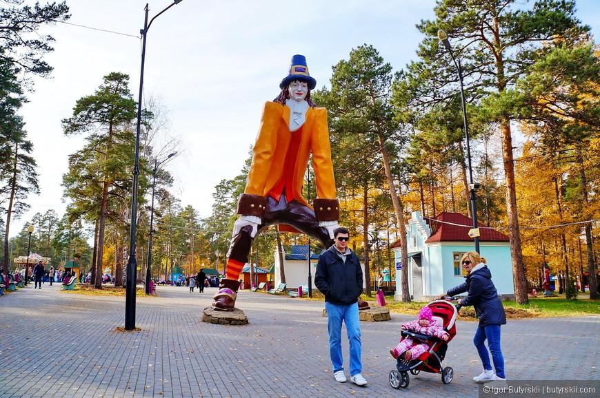 04. Парк напоминает сказку и стилизован так же, детям очень нравится, их тут огромное количество.