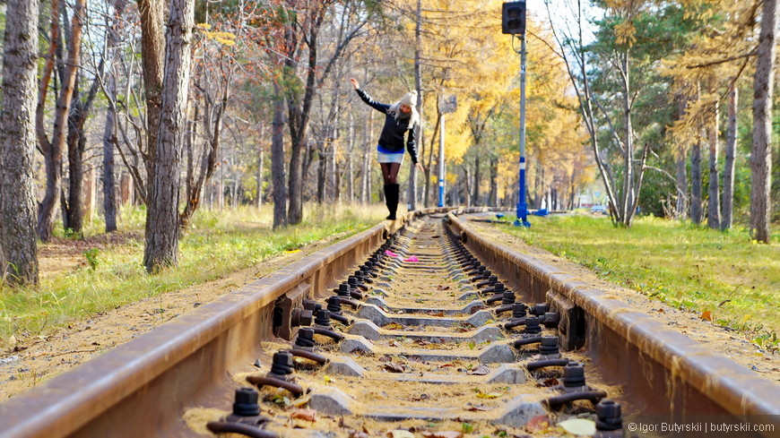 24. По территории парка проходит детская железная дорога, причем постоянно действующая.