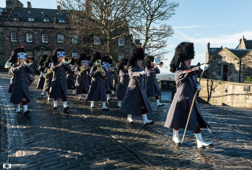 Парад в Эдинбургской Крепости.