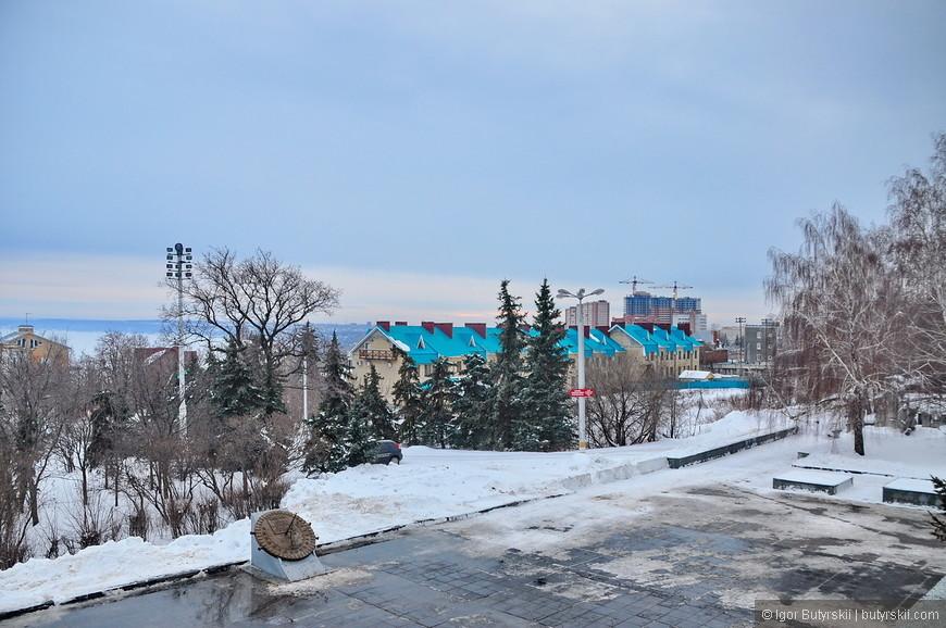 04. В центре города, на берегу Волги – частное строительство, редко такое можно увидеть, Ульяновск не такой как все.