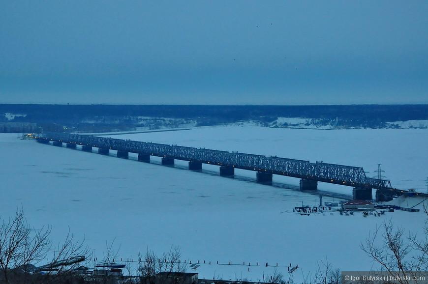 14. В городе есть 2 моста через Волгу – Президентский и этот, Императорский.