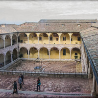 монастырь Сакро-Конвенто который украшает базилика Святого Франциска