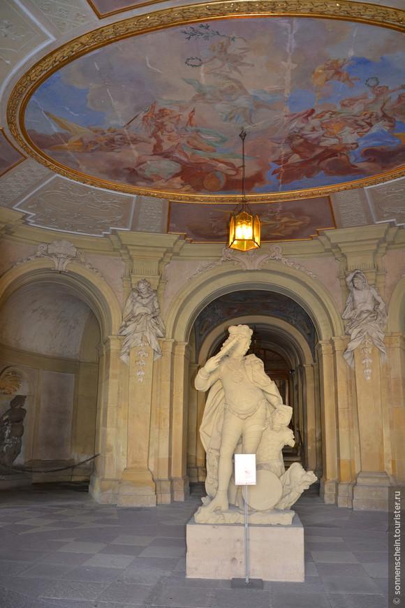 Герцог Эберхард Людвиг ( время правления 1693-1733 гг.), именем которого назван город Людвигсбург.