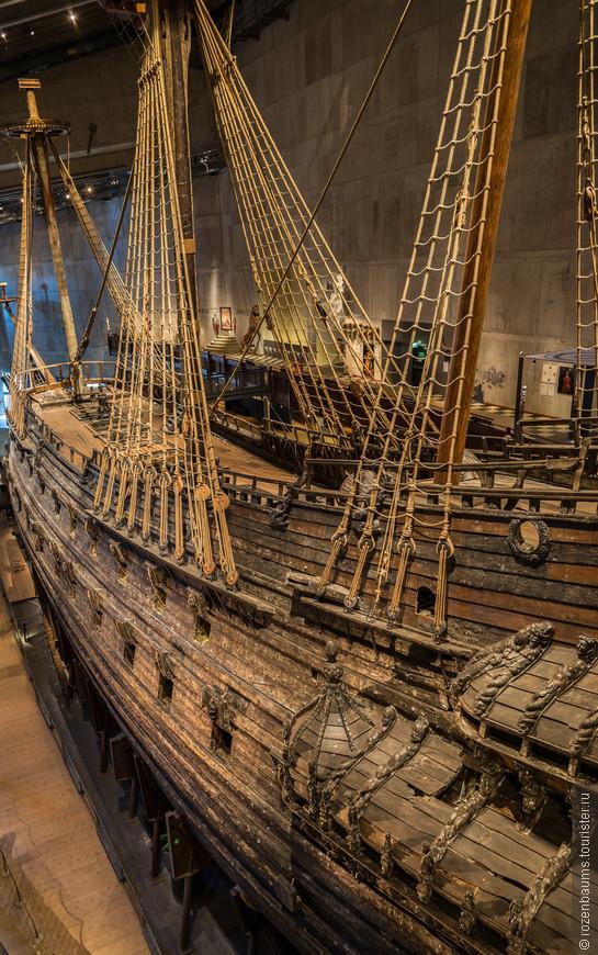 Музей Васа. Несмотря на 333 года подводной жизни и реставрации, экспозиция состоит из 98% оригинальных частей! Завораживает, осталась под большим впечатлением)
