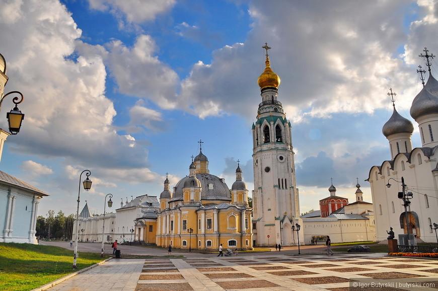 07. Вологда входит в число российских городов, обладающих особо ценным историческим наследием. В Вологде насчитывается 193 памятника архитектуры и истории федерального значения. Самые древние памятники архитектуры, сохранившиеся на территории города, относятся к XVI веку.