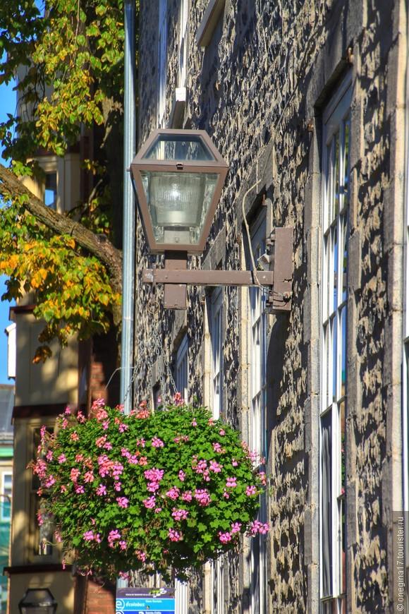 В Квебеке историю рассказывают даже стены и фонари. Нужно только услышать их шепот...