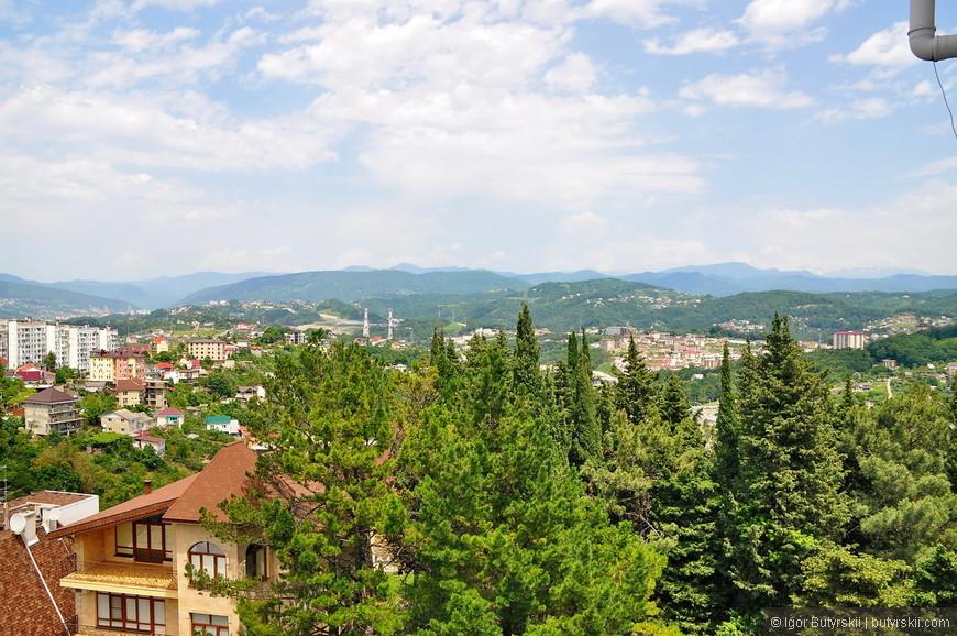 06. Кавказские горы с одной стороны и Черное море с другой, красота!