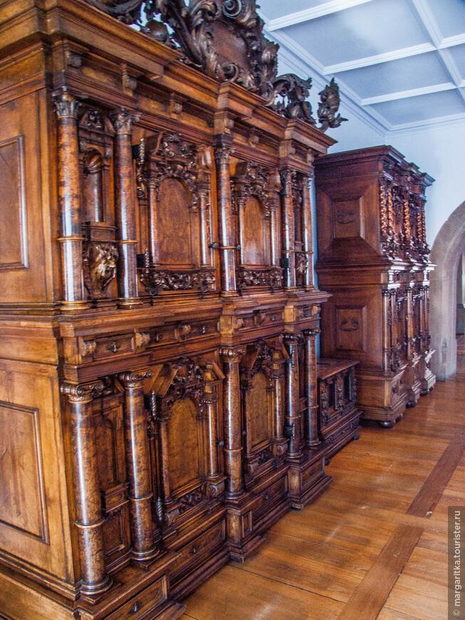 Музей находится в центре Старого города, добираться сюда лучше всего пешком. Музей работает только по вторникам, средам, четвергам и пятницам с 10:00 до 18:00. Стоимость билета: 6,5 EUR (на январь 2015 г.).