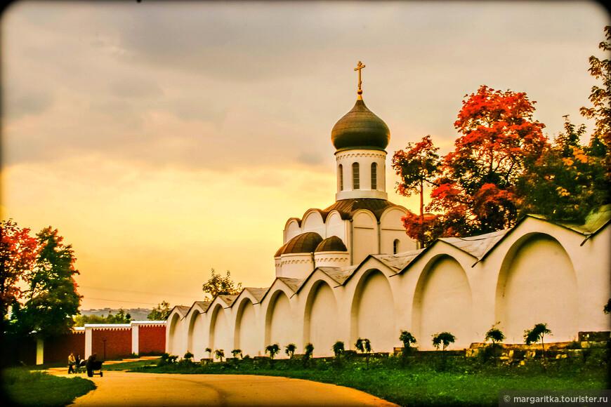 В течение более чем полувека монастырь во многом отстраивался заново. Это были годы расцвета обители, монастырь стал одним из самых посещаемых паломниками. Именно в эти годы (1880-1894) был построен грандиозный Спасо-Преображенский собор, ставший архитектурной доминантой монастыря.