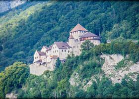 Замок Вадуц (нем. Schloss Vaduz)  официальная резиденция князя - правителя Лихтенштейна